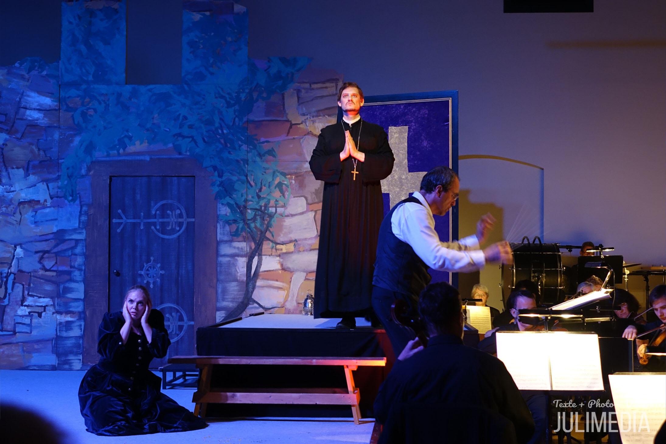 """Margarethe hat ihr Kind umgebracht. Die Oper """"Faust"""" hat am 11. August im Marstall  in Wernigerode Premiere gefeiert."""
