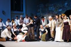 """Valentin stirbt. Die Oper """"Faust"""" hat am 11. August im Marstall  in Wernigerode Premiere gefeiert."""