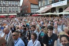 Publikum auf dem Wernigeröder Marktplatz