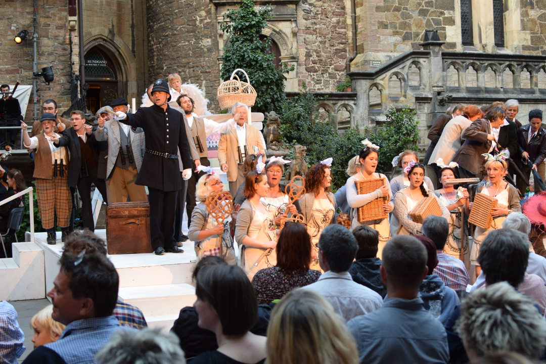 """Die Wernigeröder Schlossfestspiele auf Schloss Wernigerode mit der Oper """"Martha"""", inszeniert von Karin Seinsche aus der Schweiz."""