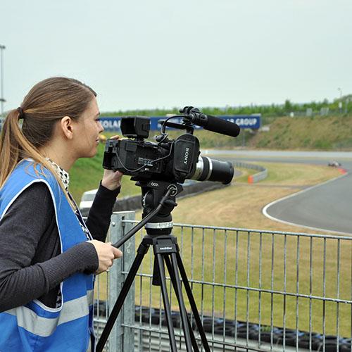 Dreharbeiten für das Team Motopark in Oschersleben beim Test für die ADAC Formel 4.