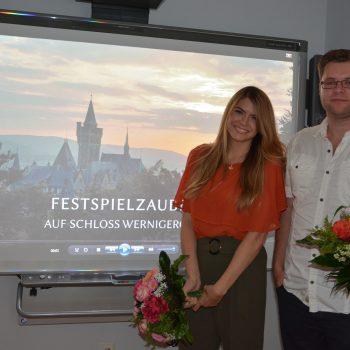 Julia Bruns und Patrick König haben die Wernigeröder Schlossfestspiele filmisch begleitet. Foto: Ivonne Sielaff